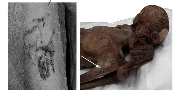 Fotografía facilitada por el British Museum, de uno de los primeros tatuajes figurativos encontrados en un cuerpo momificado de Gebelein.