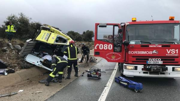 Accidente de una ambulancia en Mingorría (Ávila)