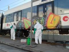 Grafitis en el metro de València
