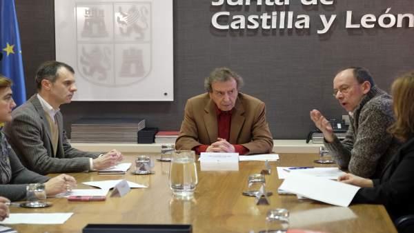 De Santiago-Juárez preside la reunión