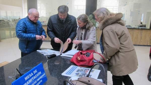 Vecinos de Magallanes con las firmas