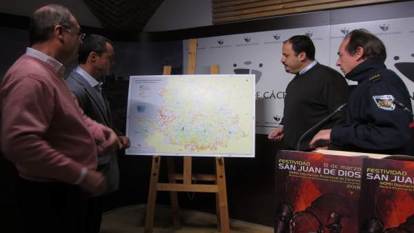Presentación tres nuevos parques de bomberos en la provincia de Cáceres