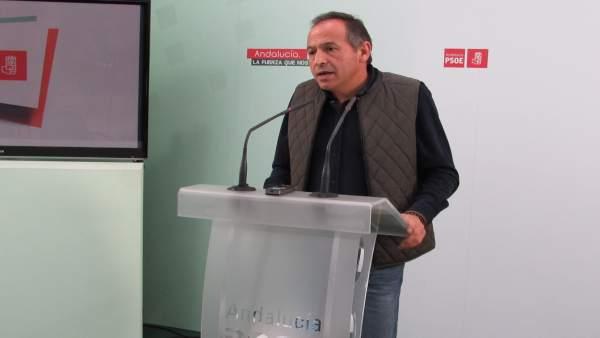 Jacinto Viedma informa del proceso de renovación orgánica del PSOE  de Jaén.