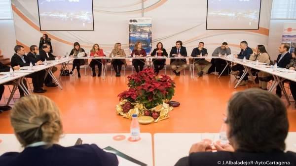 Reunión de la alcaldesa con los socios de la Oficina de Congresos de Cartagena
