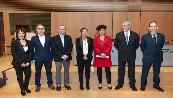 Barkos junto a otros participantes en la jornada sobre el Convenio Económico