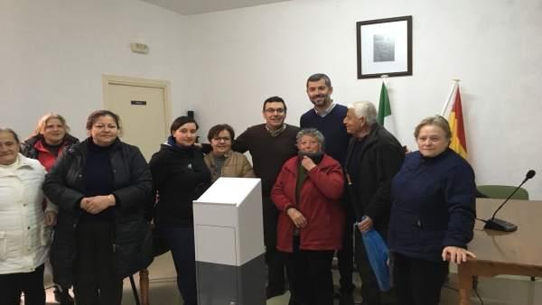 Visita del delegado territorial de Fomento de Sevilla a Las Navas