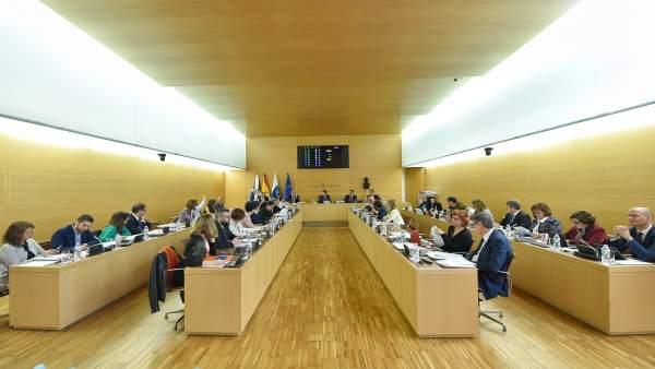 Nota De Prensa Y Fotografía: Pleno Acuerdos