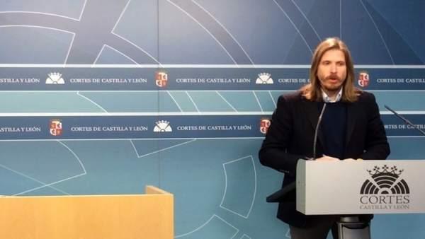 Pablo Fernández, de Podemos, en las Cortes.