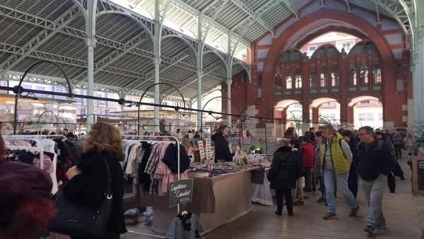 El Mercat de Colón de València s'ompli d'oci, moda i gastronomia