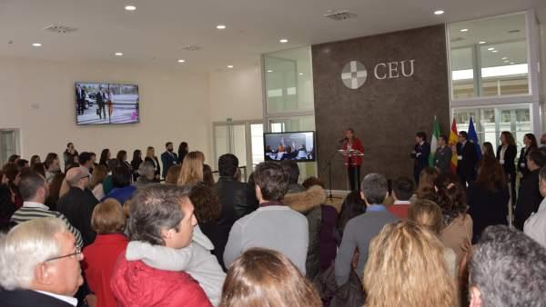 Familias en el colegio CEU San Pablo