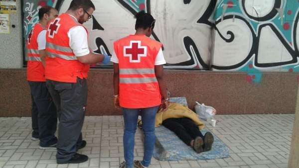 Cruz Roja Málaga atención sin techo persona sin hogar frío bajada temperatura