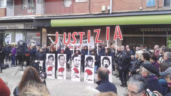 Manifestación en Vitoria por la matanza del 3 de Marzo de 1976