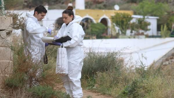 Efectivos en la búsqueda del menor desaparecido en Níjar