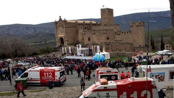 Misa en la explanada del castillo de Javier