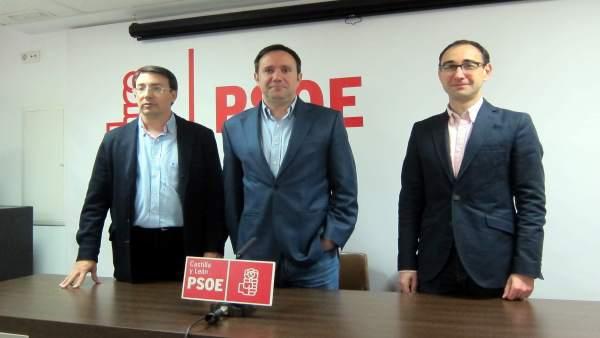 Los socialistas Pablos, Ramos y Serrada, de izquierda a derecha, en Salamanca
