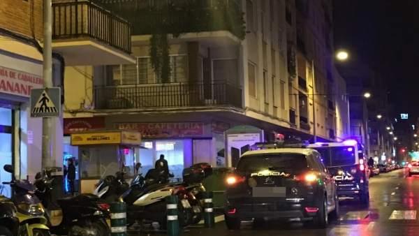 Detinguts l'amo d'un bar i un cambrer per vendre haixix en els primers dies de Magdalena