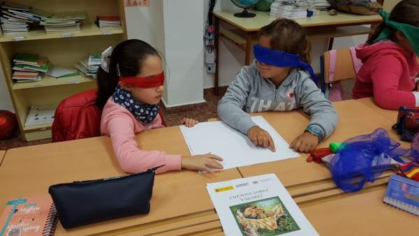 Escolares participan en el concurso escolar del Grupo Social ONCE