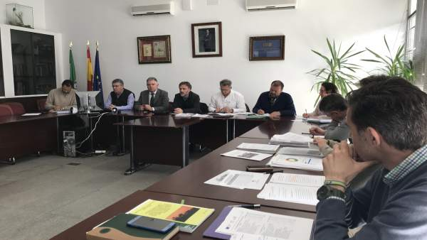 Reunión del grupo para restaurar la zona del incendio de Las Peñuelas