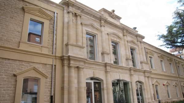 Puerta Palacio de Justicia de La Rioja octubre 2015