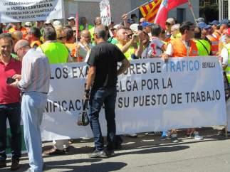 Suspendidos 5.000 exámenes de tráfico por el apoyo masivo a la huelga de los examinadores
