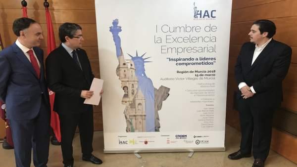 Imagen de la presentación de la Cumbre a cargo de Jesús Pacheco