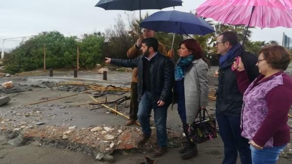 Representantes del PSOE visitan los daños por el temporal