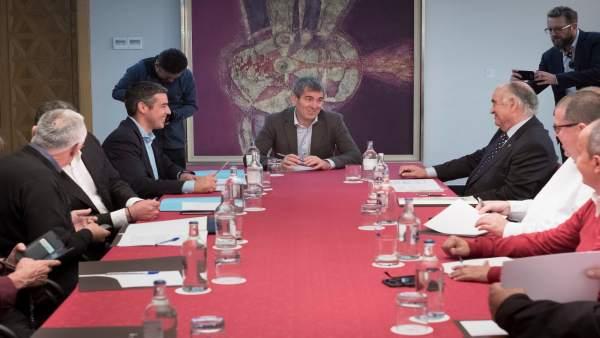 Reunión armadores canarios y Gobierno regional