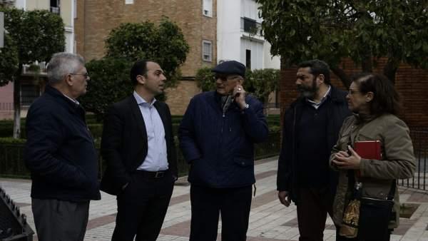 Javier Millán con vecinos de San Jerónimo