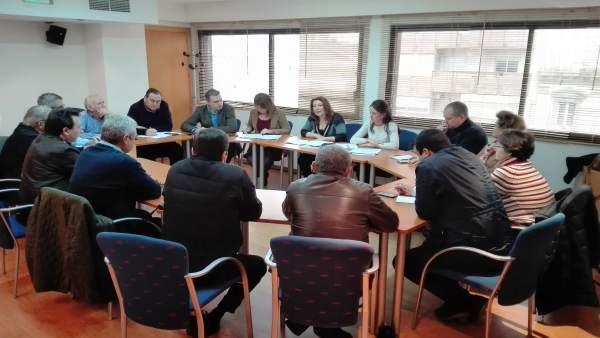 Reunión del PP con representantes de la Mesa del Agua
