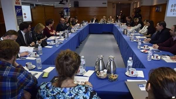 Participantes en la presentación del estudio