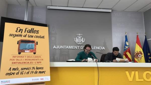 Giuseppe Grezzi y Josep García Alemany presentan el servicio de EMT en Fallas