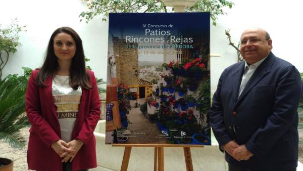 Gómez y Roldán presentan el Concurso de Patios, Rincones y Rejas