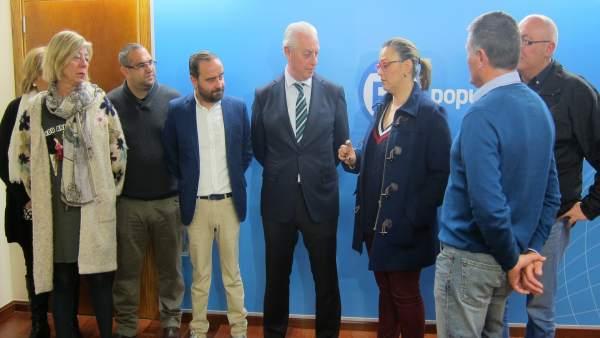 Precandidato presidencia PP, Antonio Garre  con su equipo