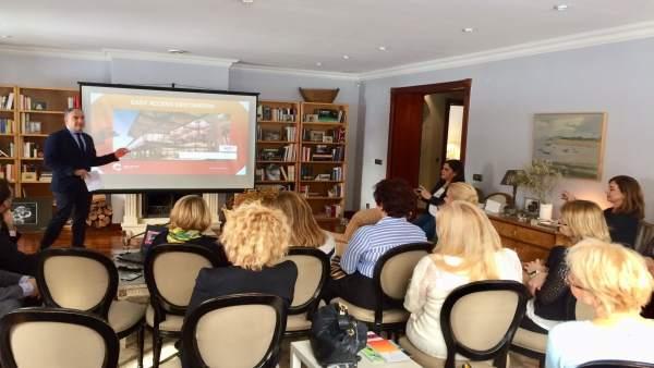 Elías Bendodo promociona el destino Costa del Sol en Finlandia y Estonia 2018