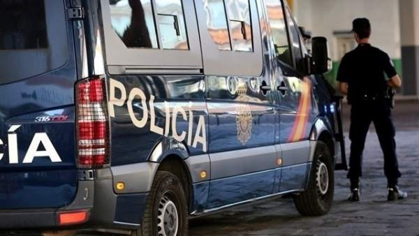 La Policia registra la vivenda de l'alcalde de Casinos (PP), ex-cap de gabinet de Serafín Castellano