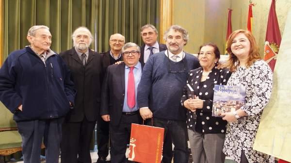 Nota Y Foto Homenaje A José Luis Coll