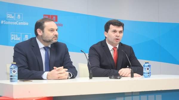 José Luis Ábalos y Gonzalo Caballero en la rueda de prensa