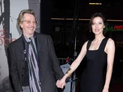 Gary Oldman y Donya Fiorentino