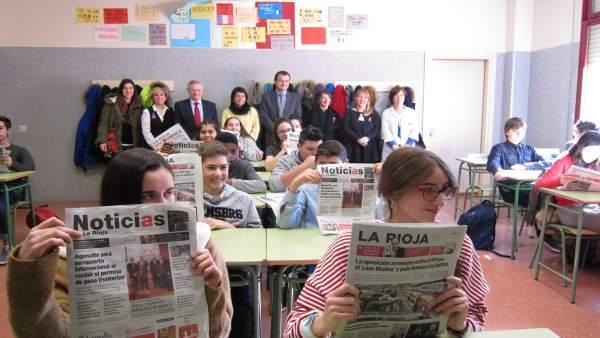 III Taller fomento lectura prensa en Escuela