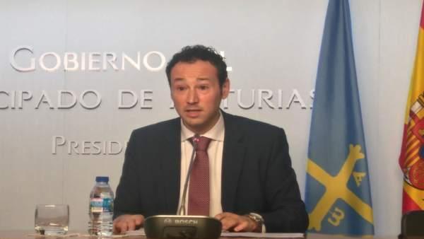 Guillermo Martínez.