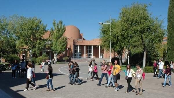 Estudiantes de la universidad en una imagen de archivo.