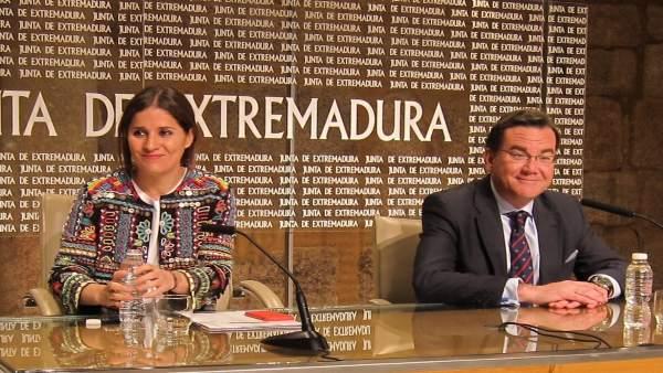 Isabel Gil Rosiña y Pablo Orondo en rueda de prensa
