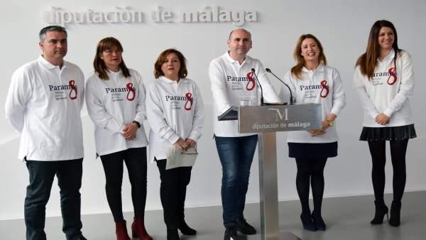Conejo con mujeres del PSOE apoya la huelga feminista del 8 de marzo