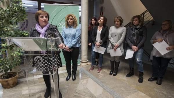 La delegada del Gobierno andaluz, Sandra García, presenta actos del 8M