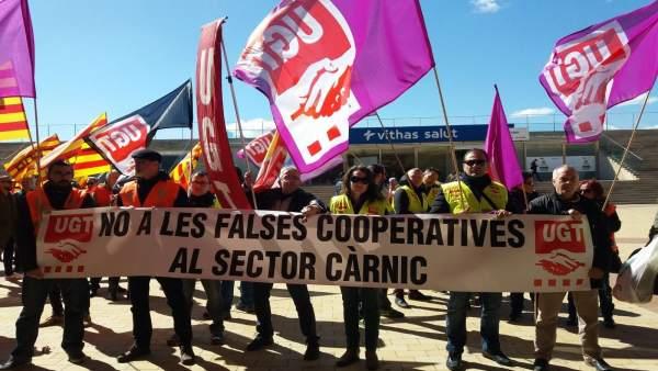 Protesta sindical en Lleida ante el Congreso Aecoc de Productos Cárnicos