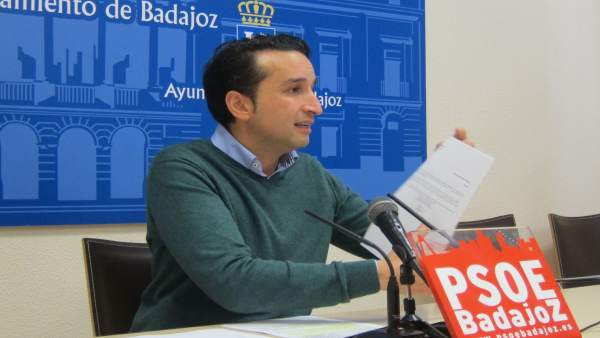 Ricardo Cabezas, portavoz PSOE en Badajoz