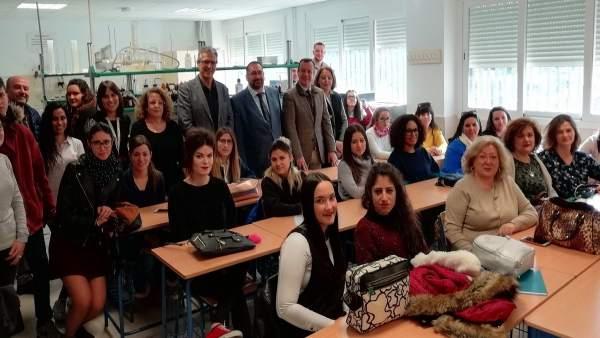 Foto de grupo en el laboratorio Madraza