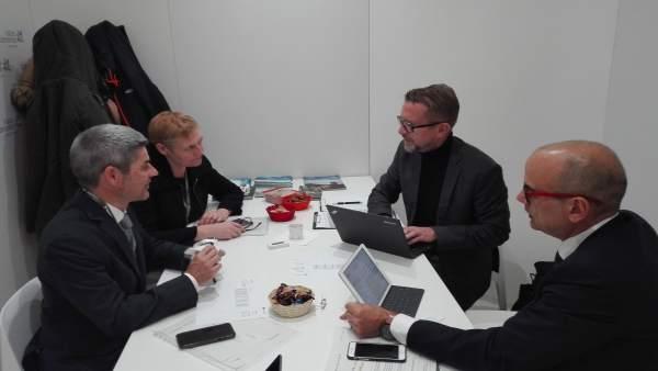 Reunión de Alberto Bernabé en la ITB de Berlín