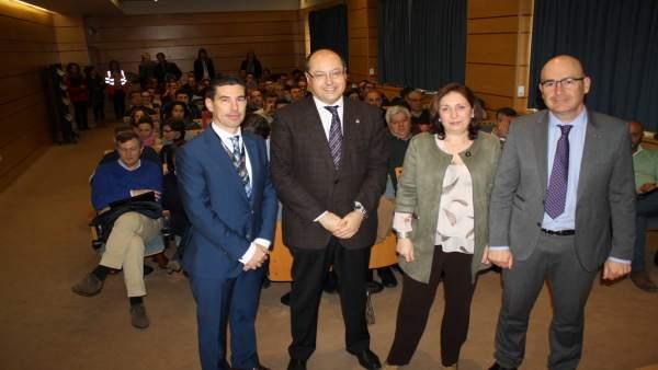 Carmona (dcha.), en la inauguración del encuentro