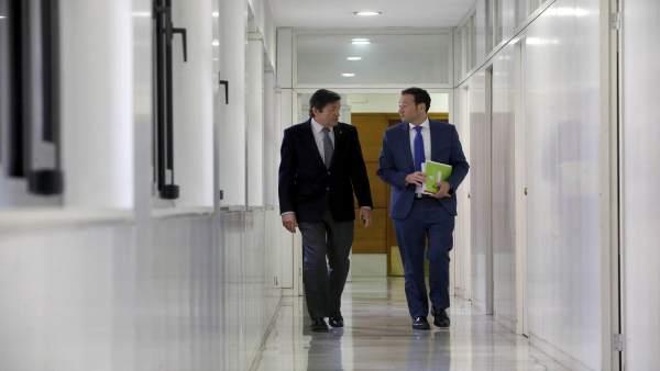 El presidente de Asturias, Javier Fernández, y el consejero Guillermo MArtínez
